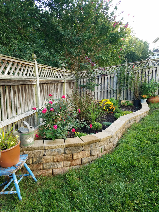 Raised Garden Bed Against Fence Remodelando La Casa