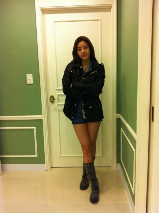 Hot girl Son Dam Bi in Korea part 1 ~ Hotgirls