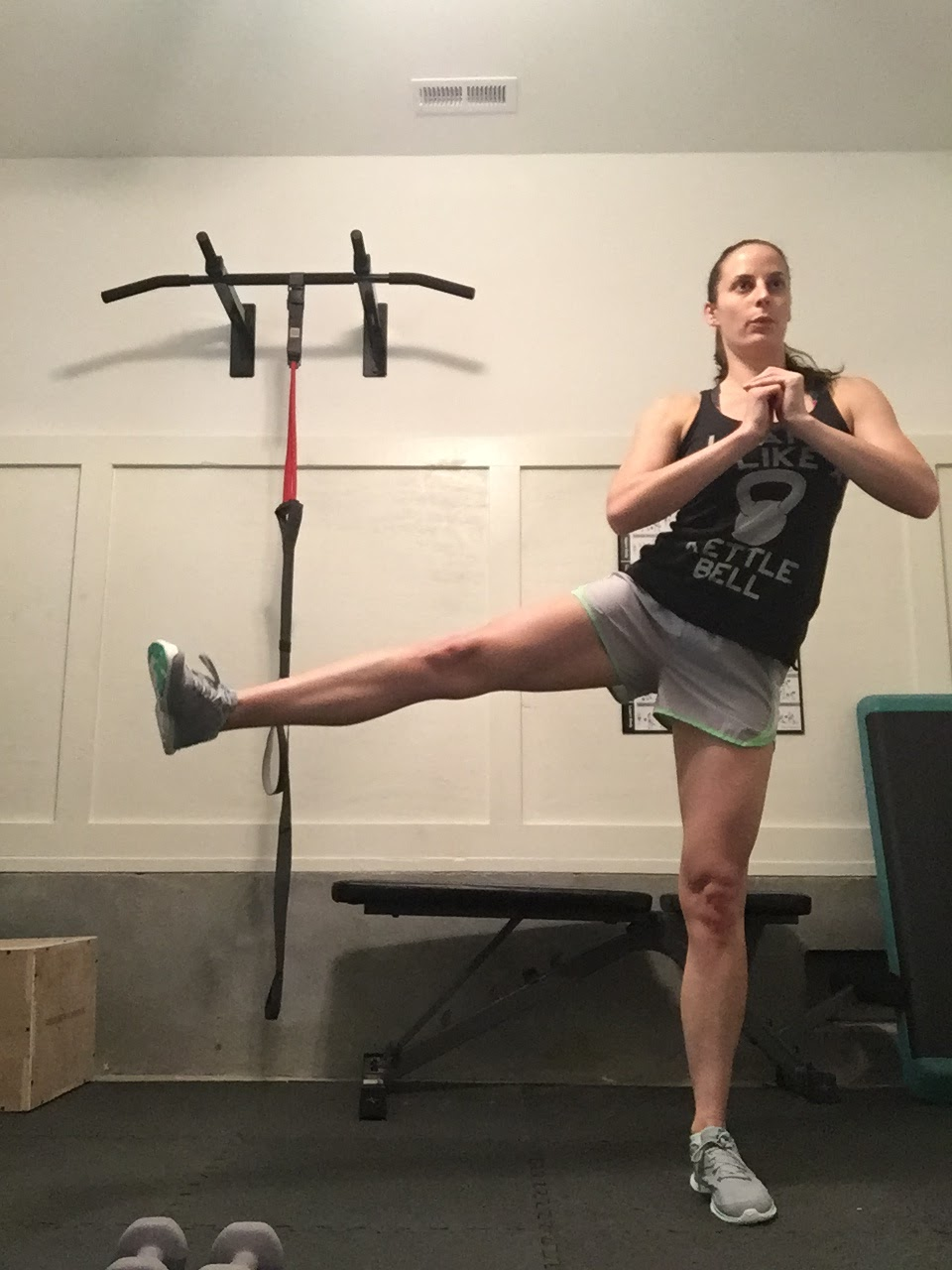 Beachbody Beach Bum 21 Day Fix Extreme 4 Review Lower Body Circuit On Pinterest Bodies Workouts And Right Leg Into A Lunge Keeping Left Straight For 30 Seconds Continue With Side This Time Lifting Up Your To Hip Height