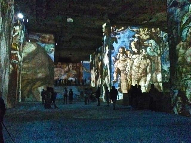 Les carrières de Lumière des Baux : Michel Ange, Léonard de Vinci, Raphaël année 2015
