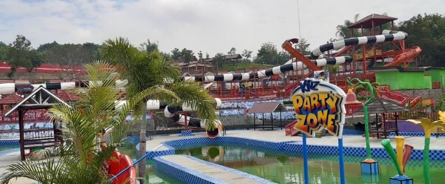 Harga Tiket Masuk Kumpay Waterpark