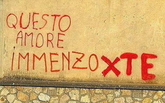 Aforismario scritte sui muri politiche romantiche e - Scritte muri casa ...