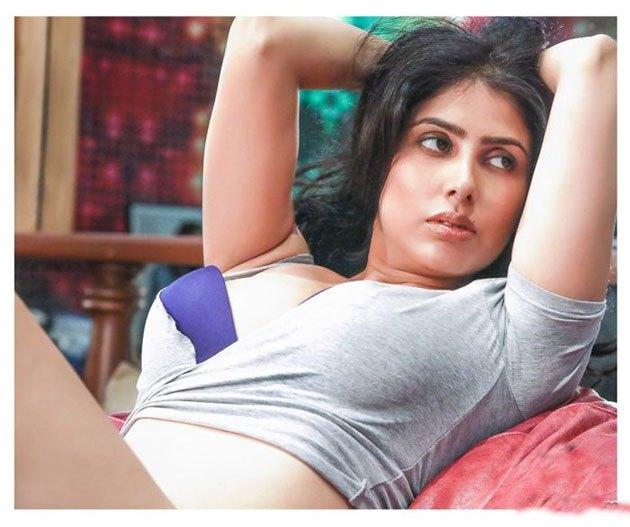 Actress Irra Mor  Glam Photoshoot