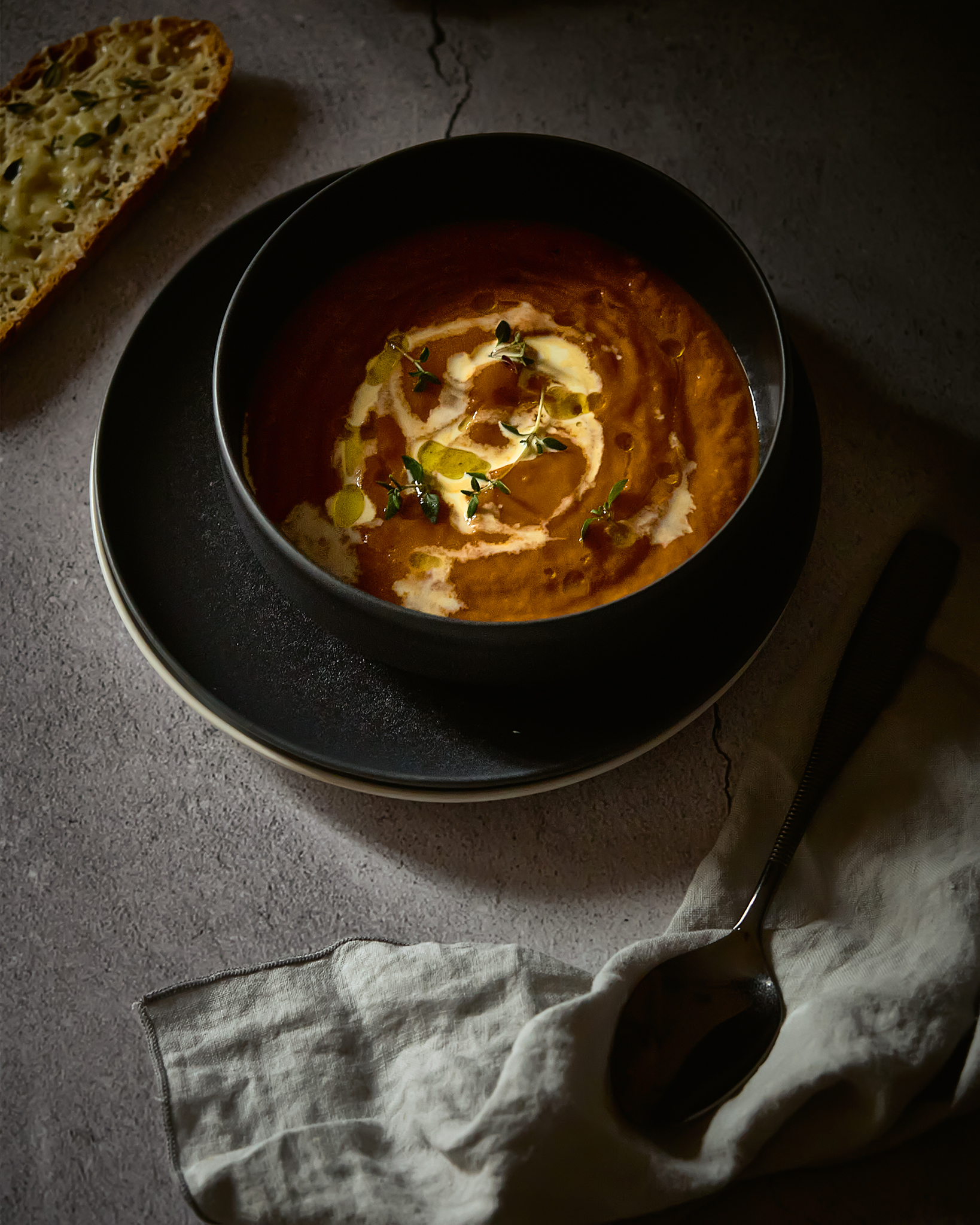 Sopa de tomates e hinojo asados