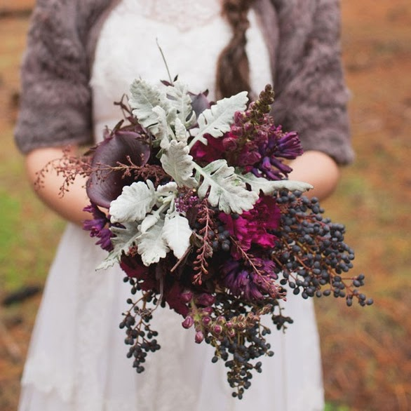 10 Wedding Flowers that Thrive During the Winter