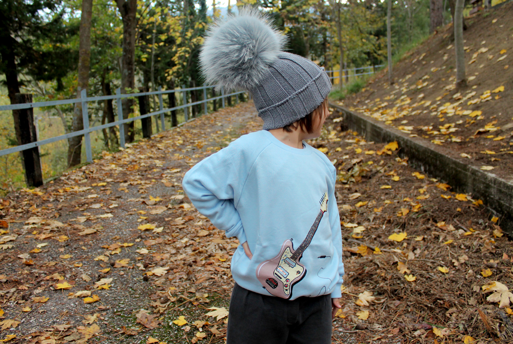 abbigliamento colorato per bambini