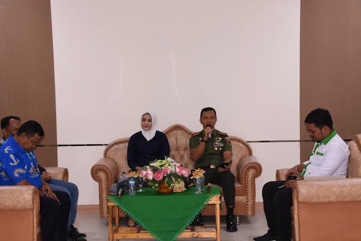 """Sarasehan Pengusaha Perikanan Pesisir Laut Timur Sulawesi Selatan dengan tema """" Inovasi Menjawab Tantangan Industri Perikanan di Era 4.0"""