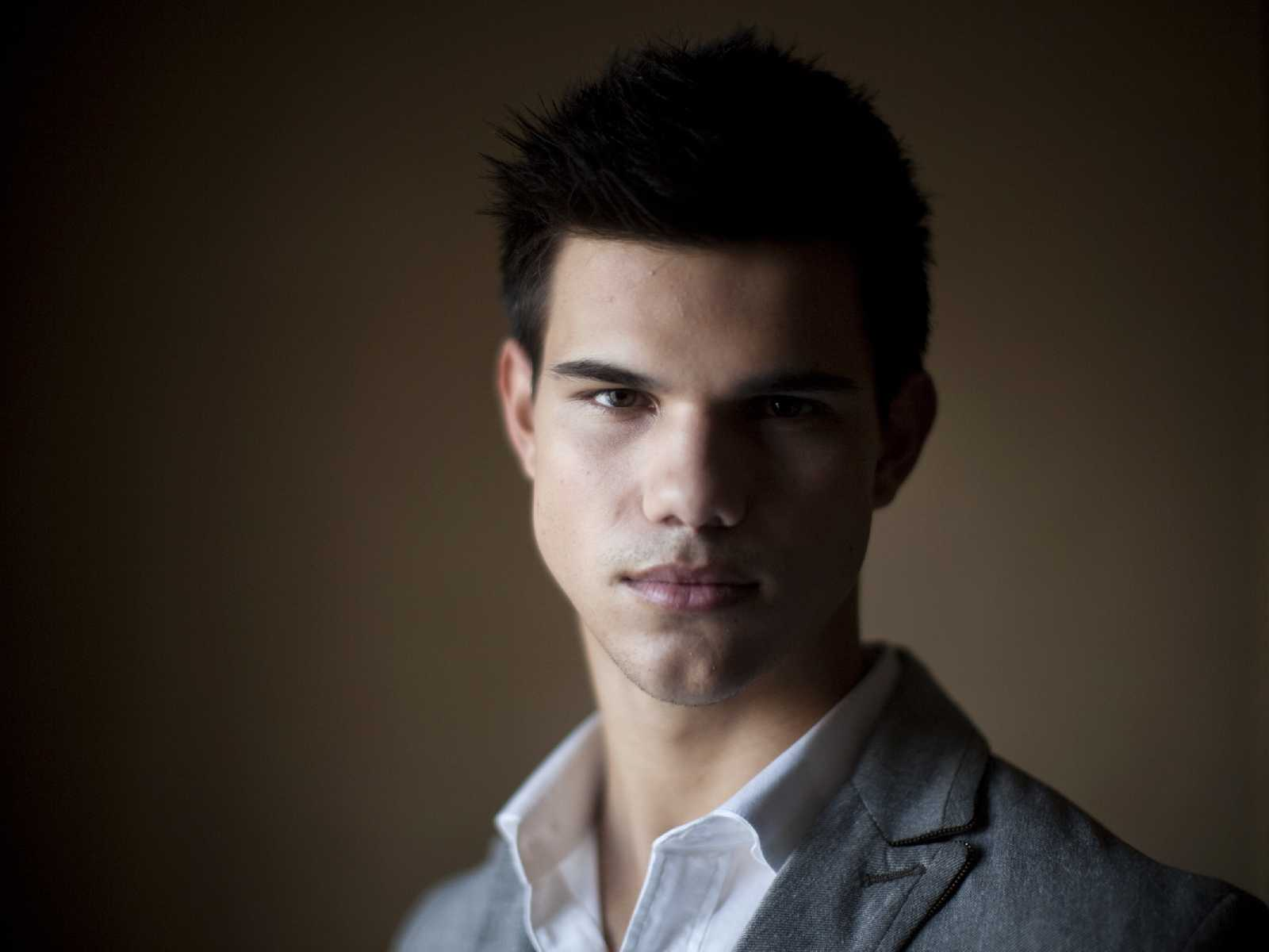 Backgrounds Taylor Lautner Wallpapers