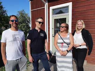 Kuvassa valtuutetut Sami Ryynänen, Mikko Valtonen, Jenna Perokorpi ja tuleva suomenkielisen koulutusjaoston  jäsen Siru Nykänen.