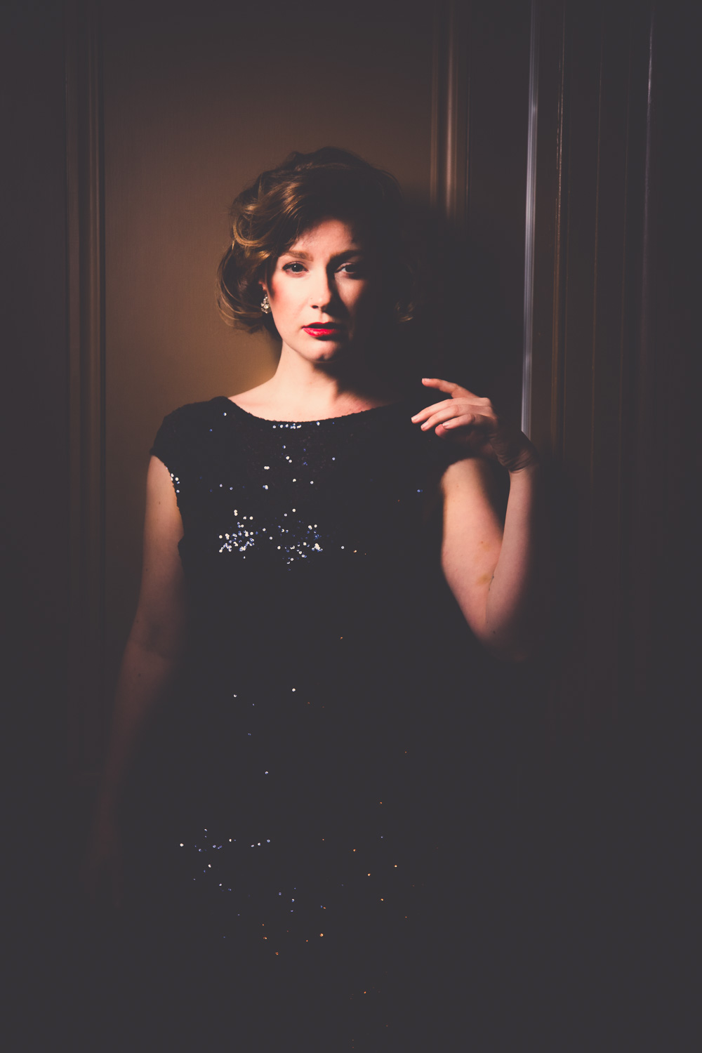 @findingfemme wears ASOS full length sequin gown to The Long Room at Her Majesty's Theatre, Ballarat.