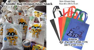 Goodie Bag Dengan Isian Snack merupakan salah satu souvenir kelahiran anak yang unik dan bermanfaat