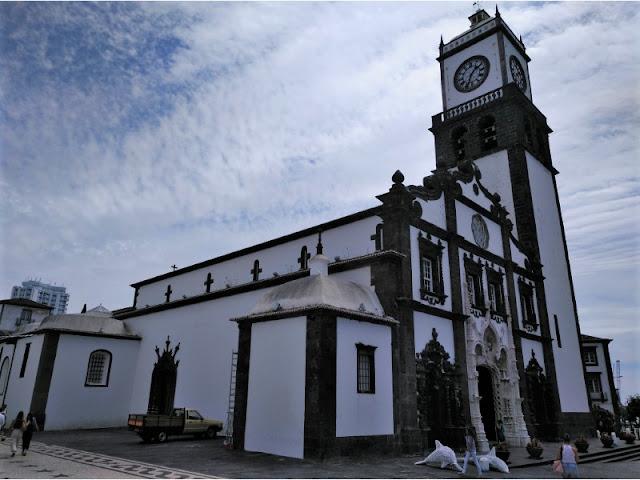 Fachada de la Catedral de Ponta Delgada