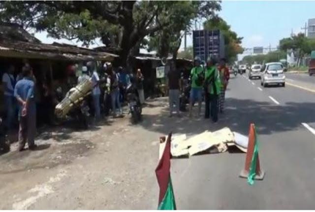 Pemotor Asal Jember Mati Di Tabrak Lari Truk Trailer Di Pasuruan