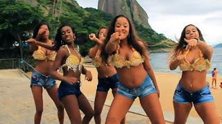brazilian women at beach