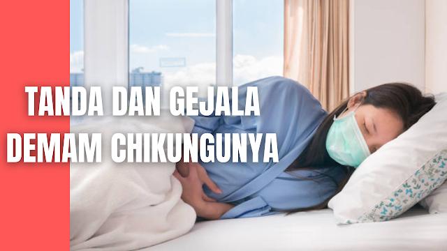 Tanda Dan Gejala Demam Chikungunya Pada Manusia Rata-rata masa inkubasi bagi Chikungunya adalah sekitar 2-12 hari tetapi umumnya 3-7 hari (Centers for Disease Control and Prevention, 2010). Gejala yang sering ditimbulkan infeksi virus ini berupa demam mendadak disertai menggigil selama 2-5 hari.   Gejala demam biasanya timbul mendadak secara tiba-tiba dengan derajat tinggi ( >40ºC). Demam kemudian menurun setelah 2-3 hari dan bisa kambuh kembali 1 hari berikutnya. Demam juga sentiasa berhubungan dengan gejala-gejala lainnya seperti sakit kepala, mual dan nyeri abdomen.  Nyeri sendi (arthralgia) dan otot(myalgia) bisa muncul pada penderita chikungunya. Keluhan arthralgia ini ditemukan sekitar 80% pada penderita chikungunya dan biasanya sendi yang sering dikeluhkan adalah sendi lutut,siku, pergelangan, jari kaki dan tangan serta tulang belakang.   Pada posisi berbaring biasanya penderita miring dengan lutut tertekuk dan berusaha mengurangi dan membatasi gerakan. Gejala ini dapat bertahan selama beberapa minggu, bulan bahkan ada yang sampai bertahan beberapa tahun sehingga dapat menyerupai Rheumatoid Artritis.   Nyeri otot pula bisa terjadi pada seluruh otot terutama pada otot penyangga berat badan seperti pada otot bagian leher, daerah bahu dan anggota gerak.  Pada kebanyakan penderita , gejala peradangan sendi biasanya diikuti dengan adanya bercak kemerahan makulopapuler yang bersifat non-pruritic. Bercak kemerahan ini sering ditemukan pada bagian tubuh dan anggota gerak tangan dan kaki. Bercak ini akan menghilang setelah 7-10 hari dan kemudiannya diikuti dengan deskuamasi.  Gejala-gejala lain yang bisa ditemukan termasuk sakit kepala, pembesaran kelenjar getah bening di leher dan kolaps pembuluh darah kapiler.    Nah itu dia bahasan dari tanda dan gejala demam chikungunya pada manusia, melalui bahasan di atas bisa diketahui mengenai tanda dan gejala demam chikungunya pada manusia. Mungkin hanya itu yang bisa disampaikan di dalam artikel ini, mohon maaf bila terjadi 