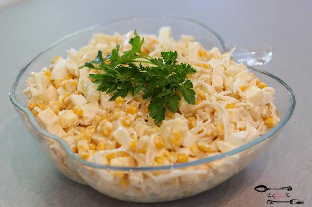sałatka, sałatki, sałatka z ananasem, sałatka z selerem konserwowym, sałatka z kukurydzą, sałatka z żółtym serem, łatwa sałatka, przepis na sałatkę