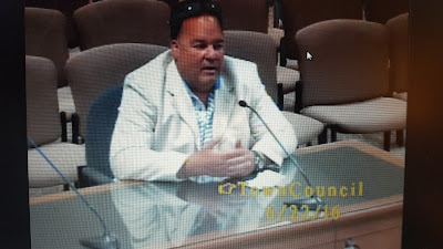 DPW Director Brutus Cantoreggi discussing the water restrictions at the Town Council meeting on Wednesday