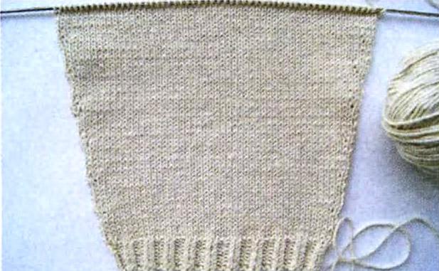 уютный пуловер связанный из мягкой хлопковой пряжи