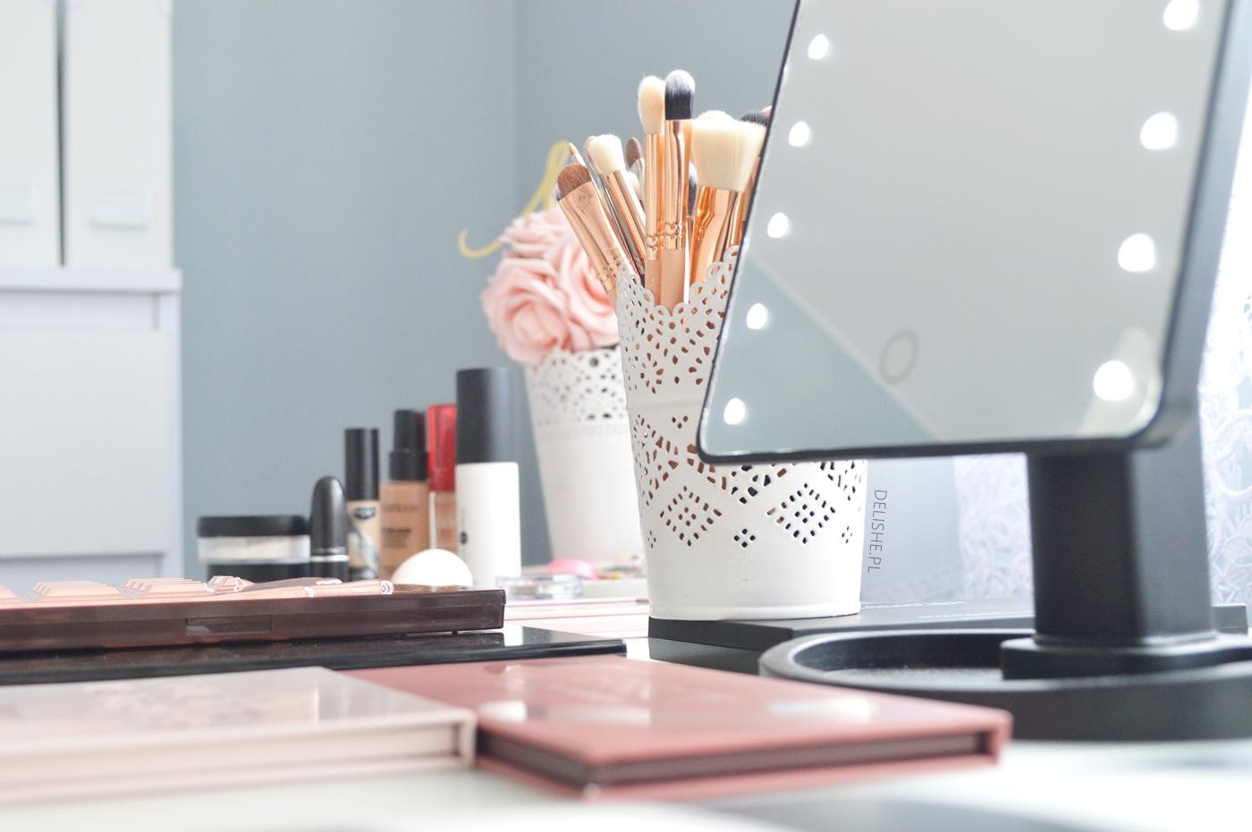 toaletka i organizacja kosmetyków blog delishe