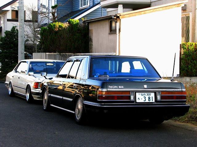 Nissan Cedric & Toyota Crown, klasyczne japońskie sedany