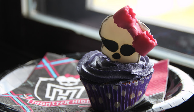 cupcakes-de-fresa, strawberry-cupcakes, monster-high-cupcake