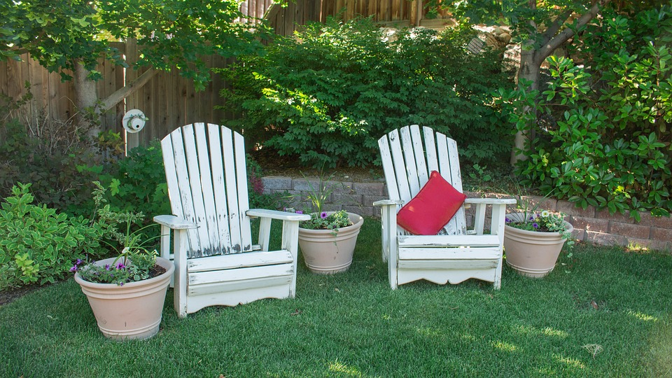 How to Choose the Right Real Estate Agent, chairs garden