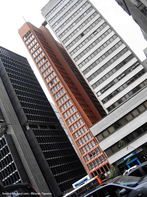 EDIFÍCIO PARQUE AVENIDA - AVENIDA PAULISTA - SÃO PAULO - BRASIL