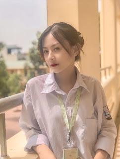 Nữ sinh 10X đẹp trong veo với ảnh đồng phục giản dị