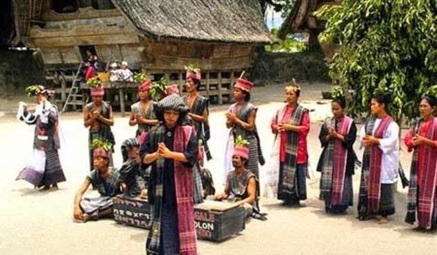 Tari Tortor Tarian dari Sumatra Utara