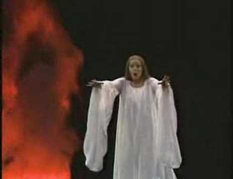 Gwyneth Jones in Francis Poulenc's 'Le Voix Humaine'