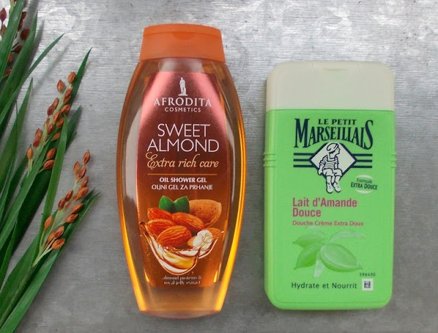 Le petit marseiliais Sweet almond shower gel Afrodita Sweet almond oil shower gel