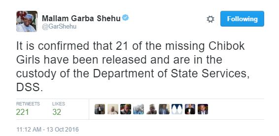 News breaking and tweet