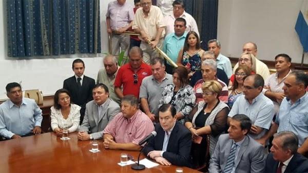 Gerardo Zamora anunció un aumento del 45 por ciento para empleados públicos y una ayuda escolar de $6000