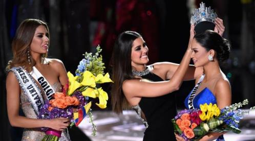 Ilustrasi Galeri Pencopotan Mahkota Miss Universe 03 - Kabarwan