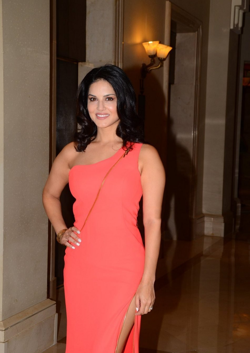 Model Sunny Leone Hot New Photos In Red Dress
