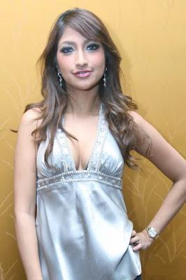 rahma azhari melahirkan artis cantik