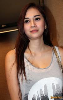 foto aura kasih Wanita Tercantik Indonesia   Foto dan Profile