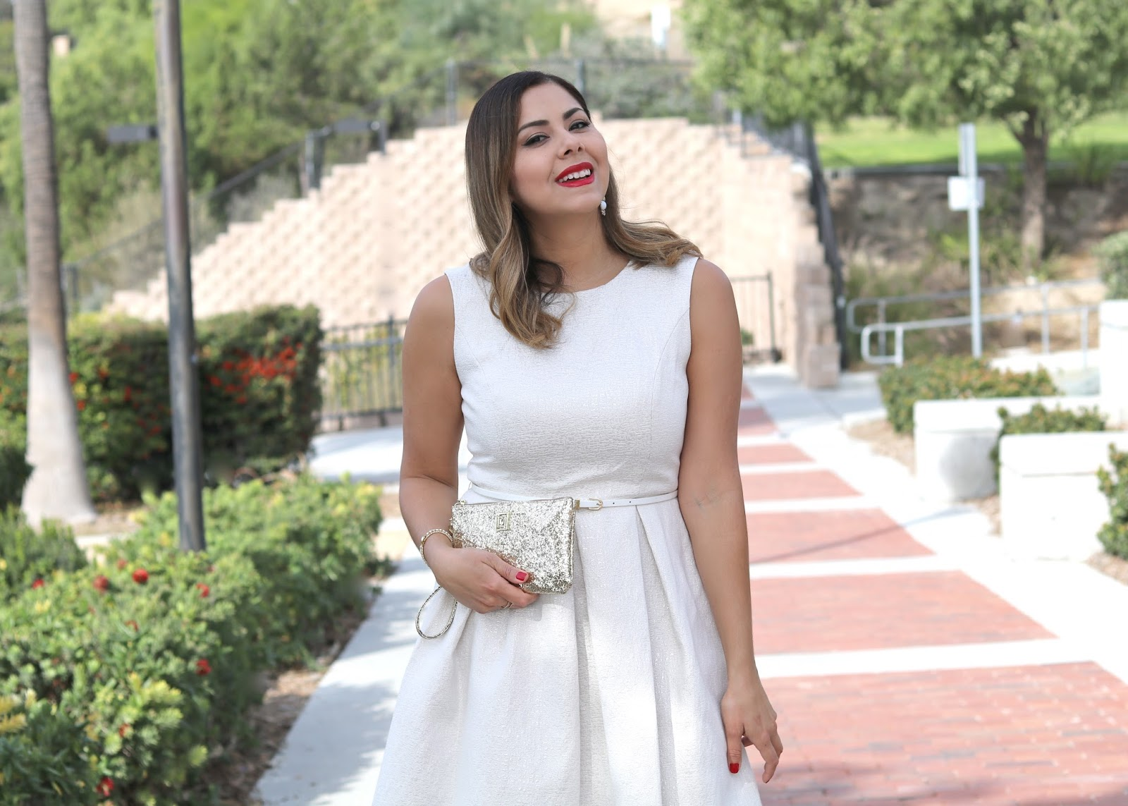 Red lipstick and white dress, what to wear this Holiday Season, Holiday lookbook