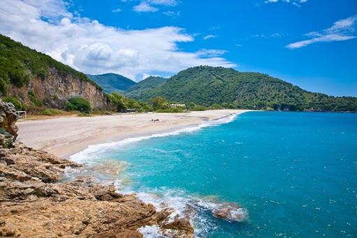 Θεσπρωτία: Καλοκαίρι και, πλην Σαββατοκύριακου, οι παραλίες είναι άδειες στη Θεσπρωτία