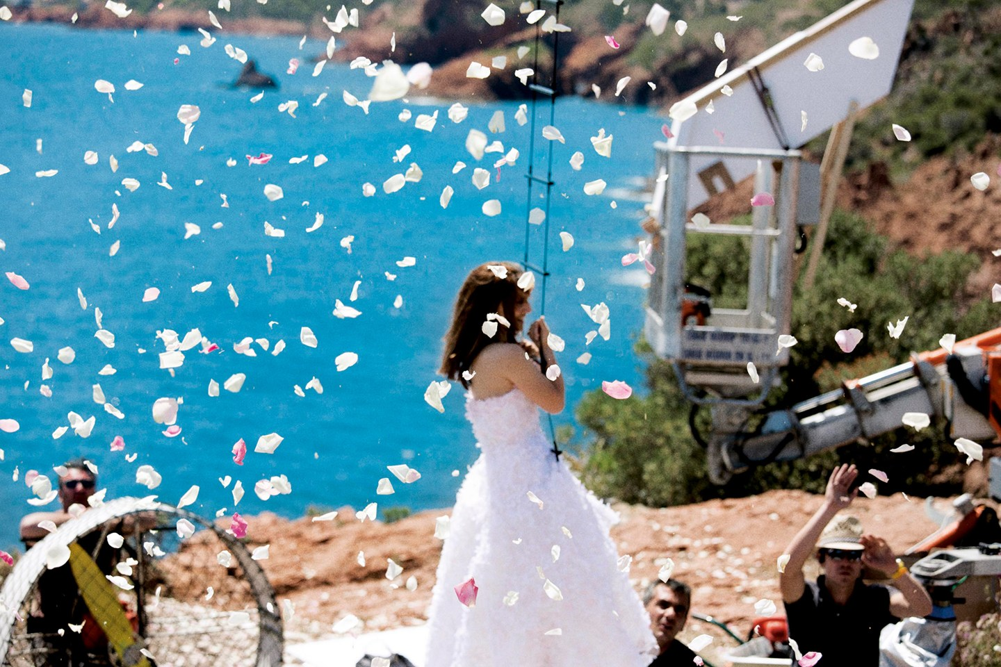 Natalie Portman Runaway Bride at Miss Dior | How to Avoid? #ITISMISSACTUALLY