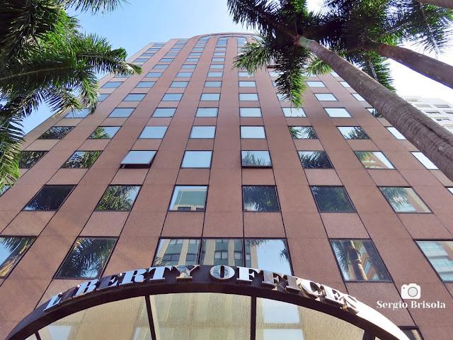 Perspectiva inferior da fachada do Edifício Liberty Offices - Jardins - São Paulo