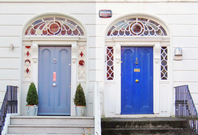 Dublin Treasure Hunt: 2 blue doors