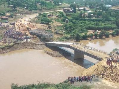Photos: 1.2 billion shillings bridge collapses in Kenya