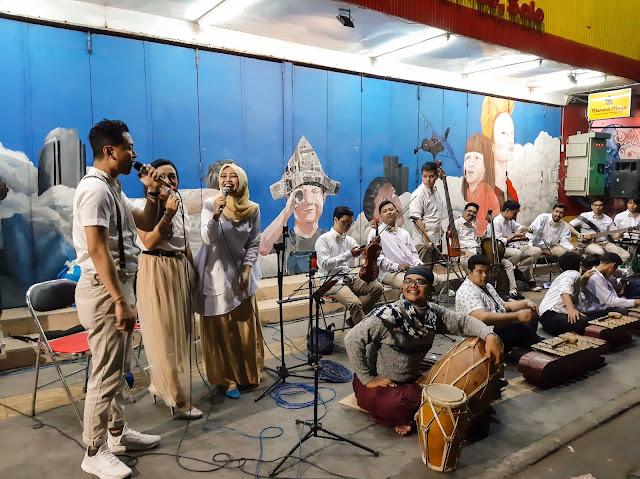 Wisata malam Solo, Menikmati mural street dan keroncong night (6) - jurnaland.com