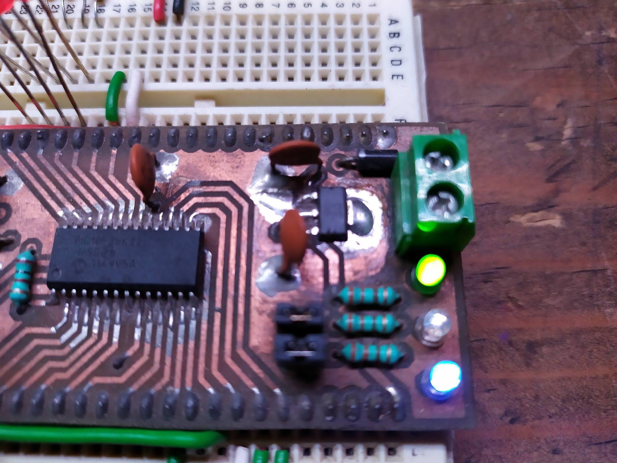 MPLABX & XC8: Interrupción del TIMER 0 con el PIC18F25K22, uso de la herramienta MCC (MPLAB Code Configurator) de Microchip