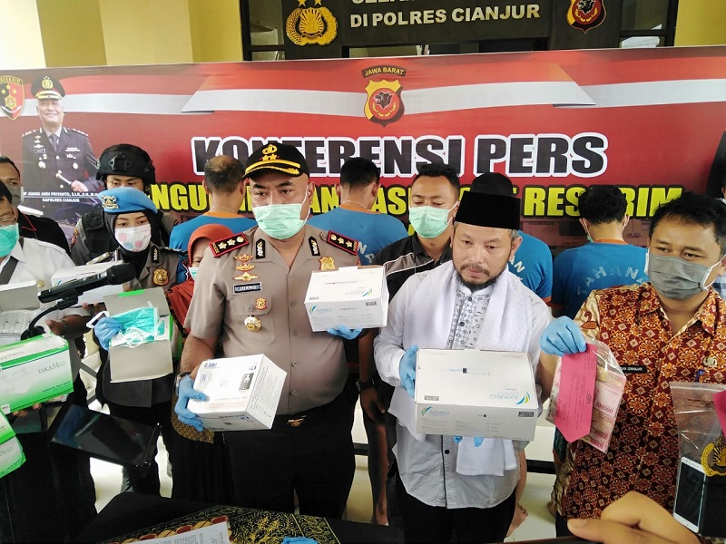 Kabid Humas Polda Jabar Ungkap Kasus Pencurian Masker Di RSUD Pagelaran Kab.Cianjur