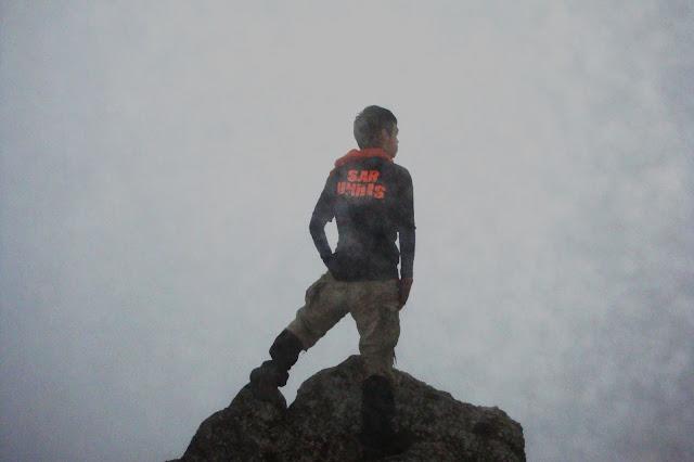 foto mendaki gunung