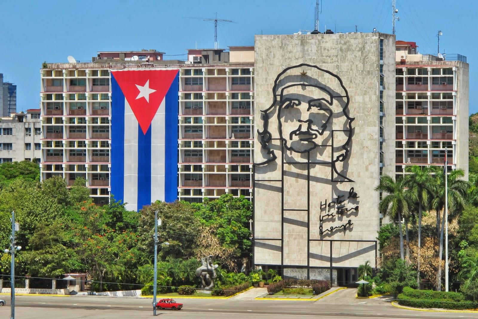 Busto de Che Guevara, na Praça da Revolução, em Havana.