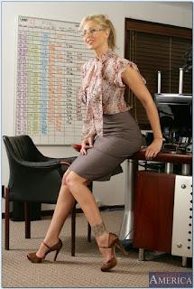 hot-naked-milf-teacher