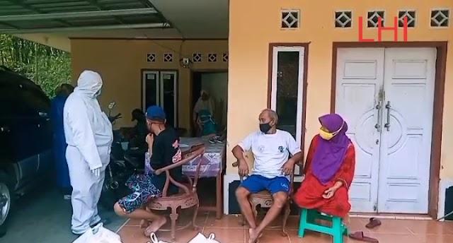 Satgas Covid-19 Dibantu Tim Medis Desa Pamotan, Pangandaran Cek Kesehatan Warga Yang Menjalani Isolasi Mandiri
